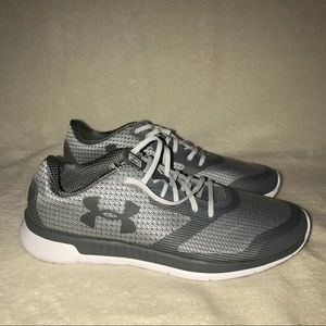 Under Armour Sz 13  Mens Charged Shoes MSRP $90